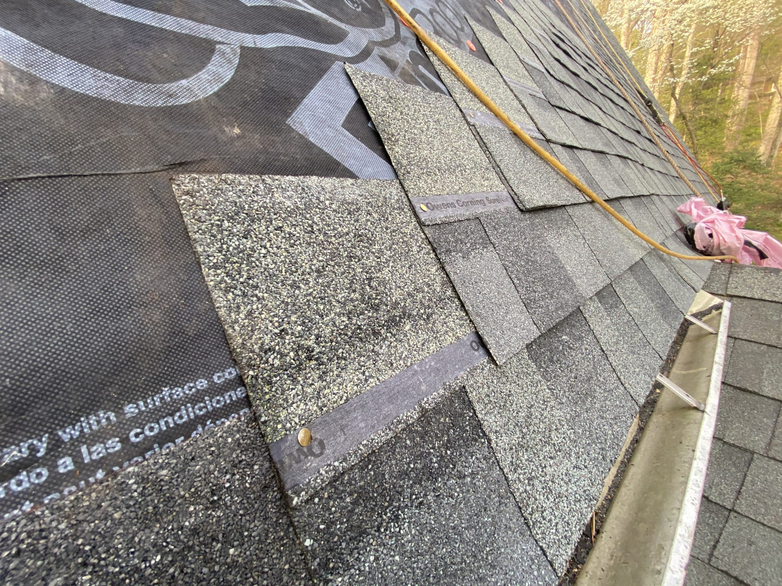 A closer look on the proper installation of the shingles.