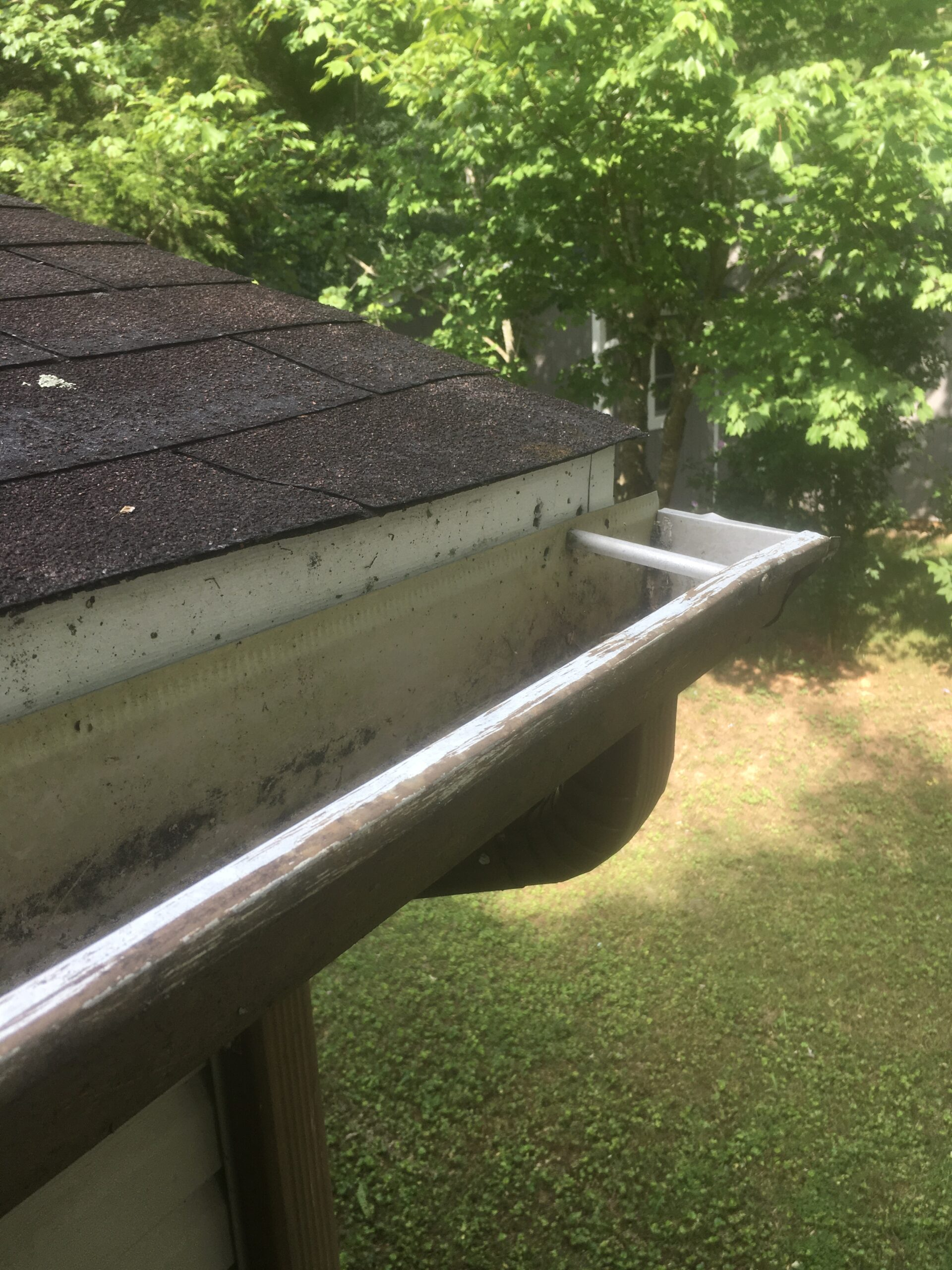 Gutters that are already damaged should be replaced, it is likely to be damaged during the roofing project.